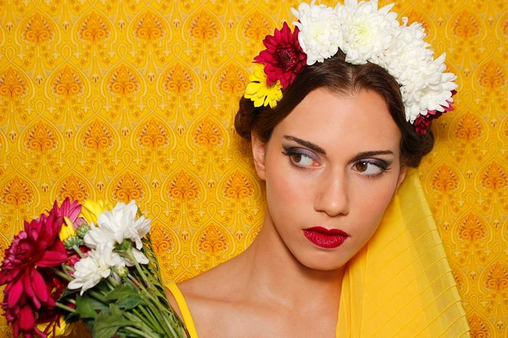 #makeup #flowers #hairstyle #frida  PH: María Inés de Azkue Make Up: Priscila Make Up Artist Producción Modas: Ani Miranda Producción general: Sonia Cremerius Modelo: Caro Barcas