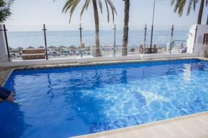 Aparthotel Puerto Azul Marbella 3*  Good ratings €1,142