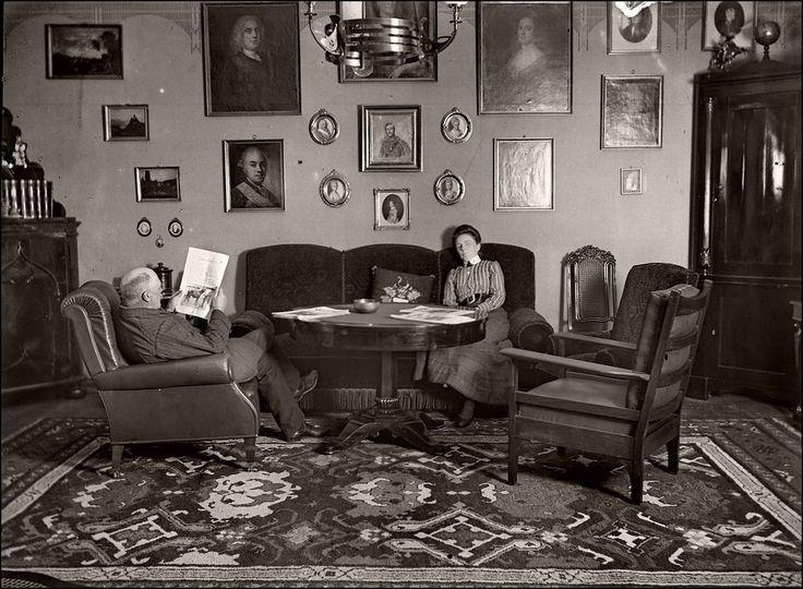 Victorian-Edwardian Living Room  36 Interesting Vintage ...