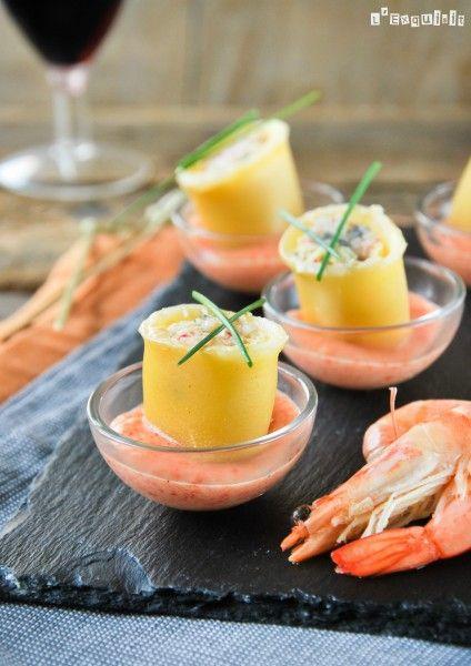 Mini canelon de pescado con bechamel de pimiento asado - L´Exquisit