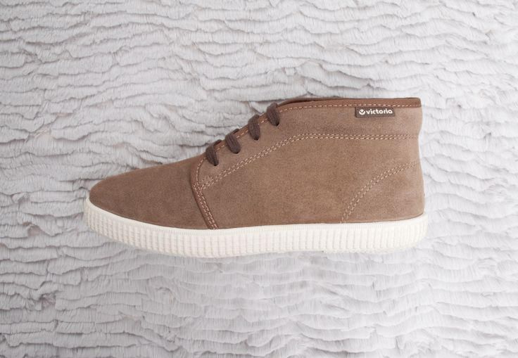 06760 Split Leather Chukka. Moka