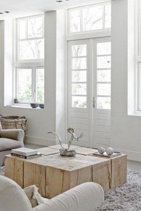 Salontafel(tjes, ontwerp Piet-Jan van den Kommer. Leuk idee, losse houten blokken die je op verschillende manieren kunt neerzetten. Maar misschien niet strak genoeg in combinatie met mijn favoriete keuken nr. 1 fotograaf Jolanda Kruse