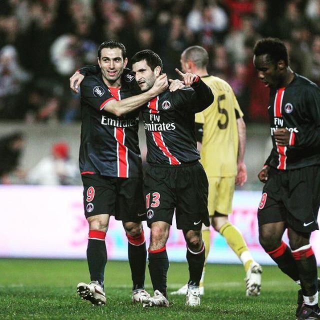 1️⃣0️⃣ years ago  Pedro Miguel Pauleta congratulated Pierre-Alain Frau after his goal against AEK Athens 🤙  📱 PSGAEK  🏆 UEFA Europa League  📷 PSGmemories