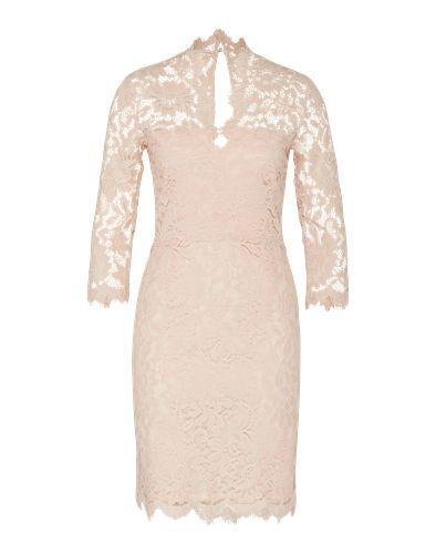 Cocktailkleid mit allover Spitzen-Design von SET. Das Dress ist figurbetont geschnitten und kommt mit V-Ausschnitt und tonalem Unterkleid. Die Ärmel und die Schulterpartie sind transparent gehalten.