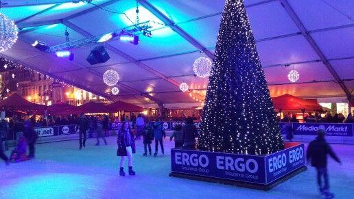 La pista de hielo de la plaza de la catedral de Lieja #Xmasmarkets