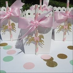 Celebrate her baby shower or first birthday party with pink and gold glitter horse carousel favors boxes. These gorgeous, hand made popcorn style boxes are a must have for your dessert table! A beauti