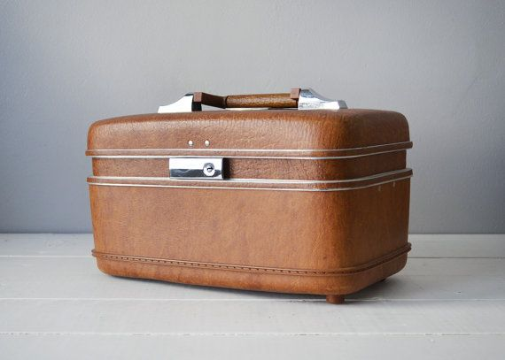 17 best ideas about Vintage Train Case on Pinterest | Train case ...