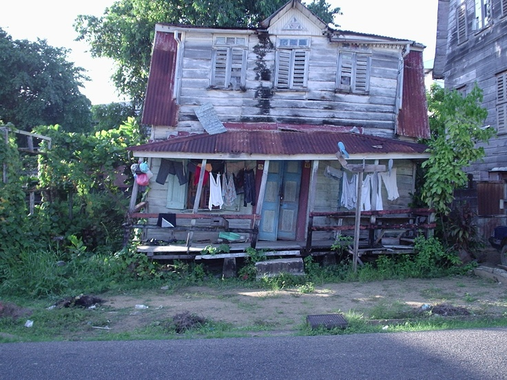 Ramshackle little house - Surinam