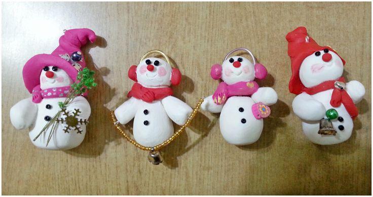 Addobbi per l'albero di Natale - piccoli pupazzi di neve