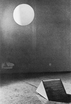 Hans Haacke, Sphere in Oblique Air-Jet, 1967