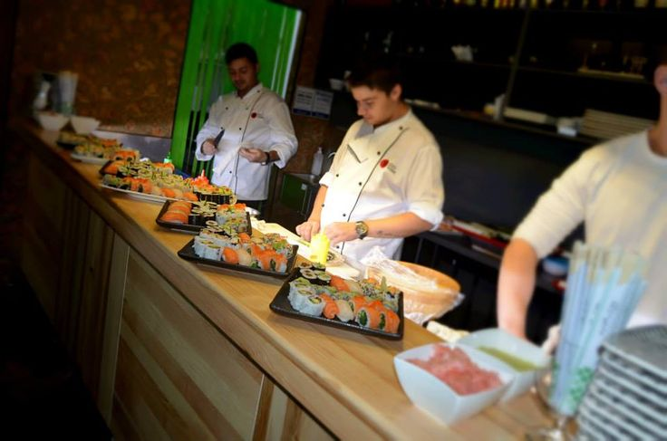 Edo Sushi Bucuresti - Edo Sushi vă oferă o varietate de sortimente de sushi tradiţional şi contemporan, create cu grijă de maeştrii noştri bucătari Marius Corici si Marian Serban. Conceptul Edo Sushi se poate rezuma…