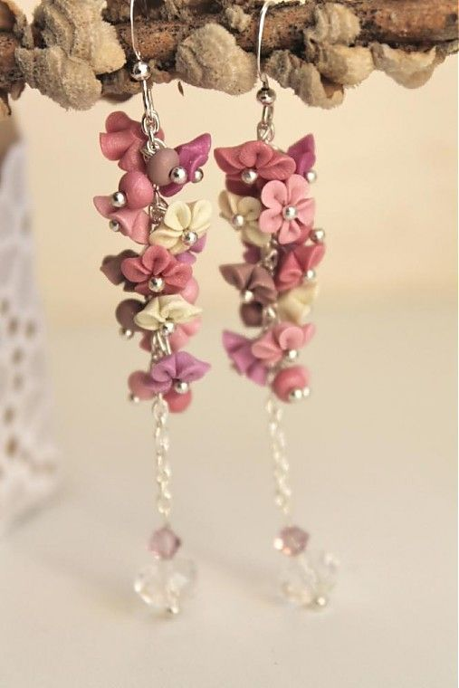 Polyclay cherry blossom earrings by Zu.Zu./Zasnená. These are too big, but maybe make a more petite version?
