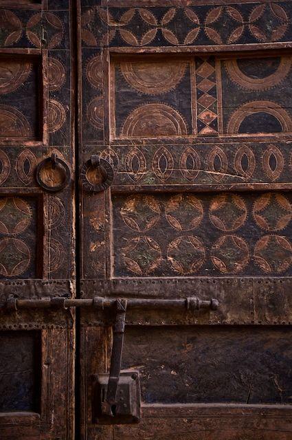 tribal: Brown Earth, Rustic Doors, Brown Doors, Ancient Doors, Old Doors, Wooden Doors, Doors Details, Doors Knockers, Wood Doors
