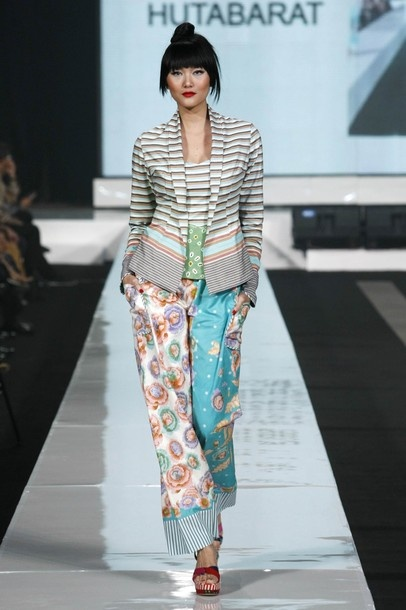 Edward Hutabarat - modern take on the traditional kebaya