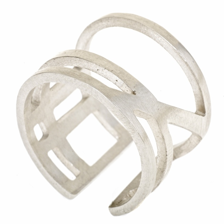 Wright Angle Ring by V. Gade