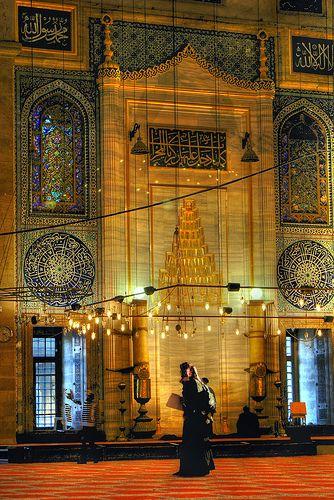 Interior view of Suleymaniye Mosque or Süleymaniye Camii (Istanbul - Turkey)  ARCHITECT SINAN