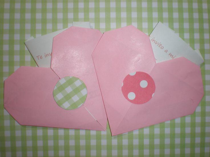 Invitaciones en origami  by Dulcinea de la fuente www.facebook.com/dulcinea.delafuente  #fiesta #festejo #cumpleaños #mesadulce#fuentedechocolate #agasajo# #candybar  #tamatización #personalizado #souvenir  #regalos personalizados #catering finger food