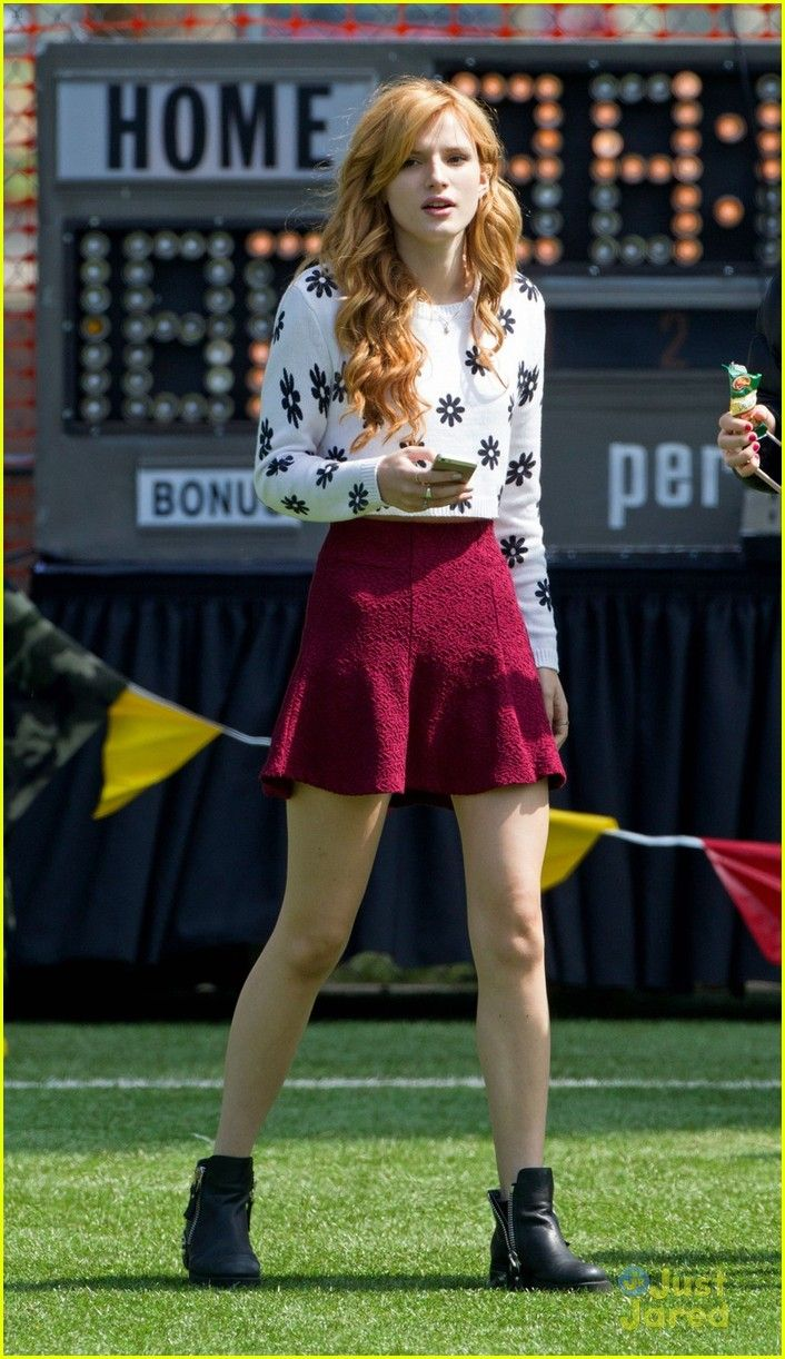 Bella Thorne Whips Her Hair Back & Forth on 'Mostly Ghostly 2' Set | bella thorne mostly ghostly set ryan ochoa 02 - Photo Gallery | Just Jared Jr.