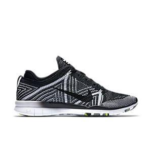 Nike Free 5.0 Tr Adapter 5 $ Tissu Drapé Noir Et Blanc Par La Cour