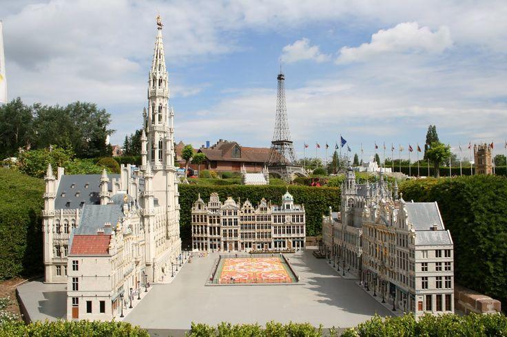 Bruxelas - Bélgica - visitar o mini parque Europa produções que tem 80 cidades e 350 edifícios em miniatura.