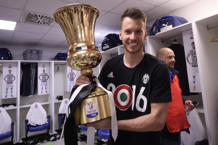 Coppa Italia: Juve, festa negli spogliatoi - Sportmediaset - Sportmediaset - Foto 17
