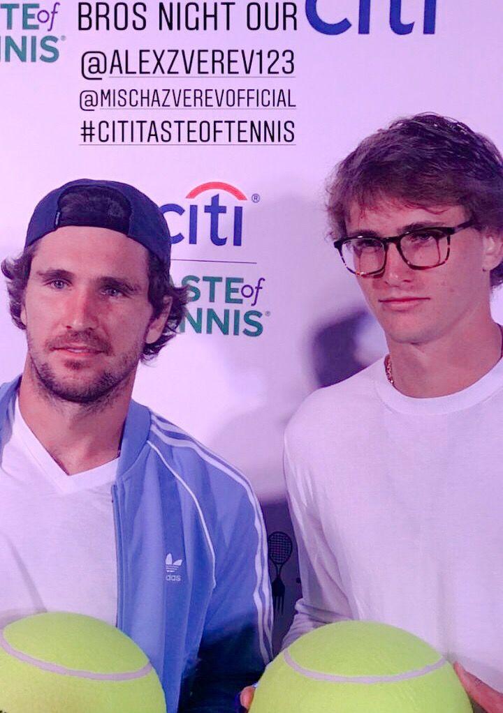 Close Up To Mischa Sascha Zverev Tennischannel Tenista