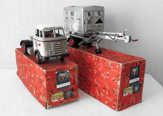 Western Bedroom Tank Toy Box Or: 293 Best Tin Toy's, Dinky's, Corgi's Images On Pinterest