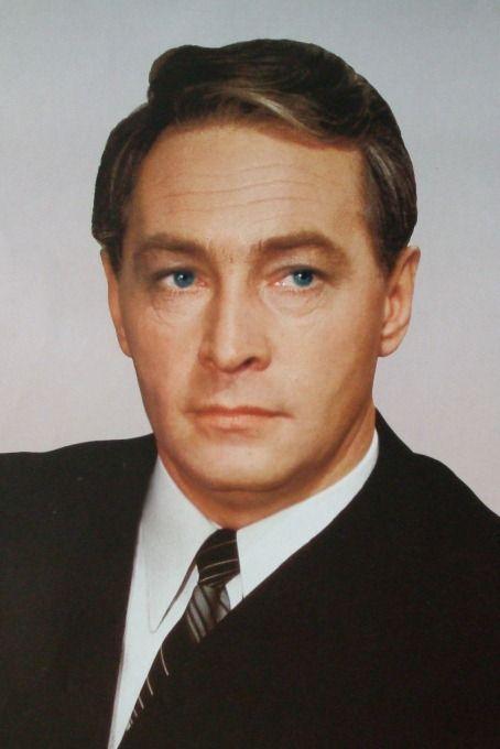 8Vyacheslav-Tikhonov