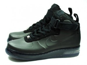 The latest Nike Air Force 1 Foamposite comes in all-black foamposite upper  with suede lace panel trimming.