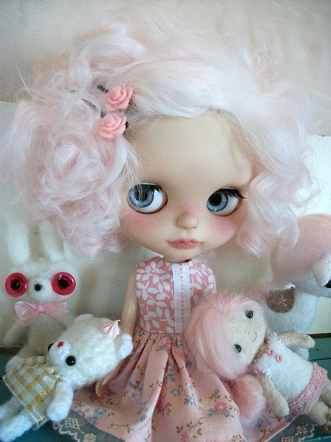 Can't Take My Eyes Off Of You... love blythe