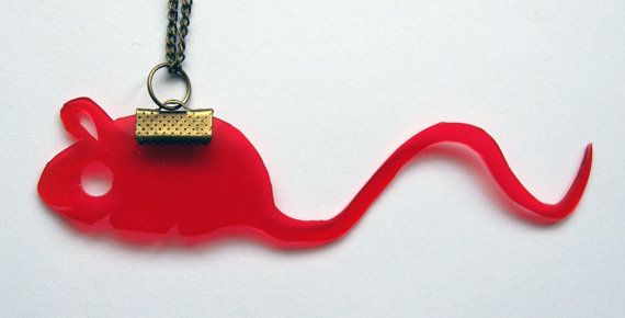 Mouse necklace by fauxvijoux on Etsy, €19.00