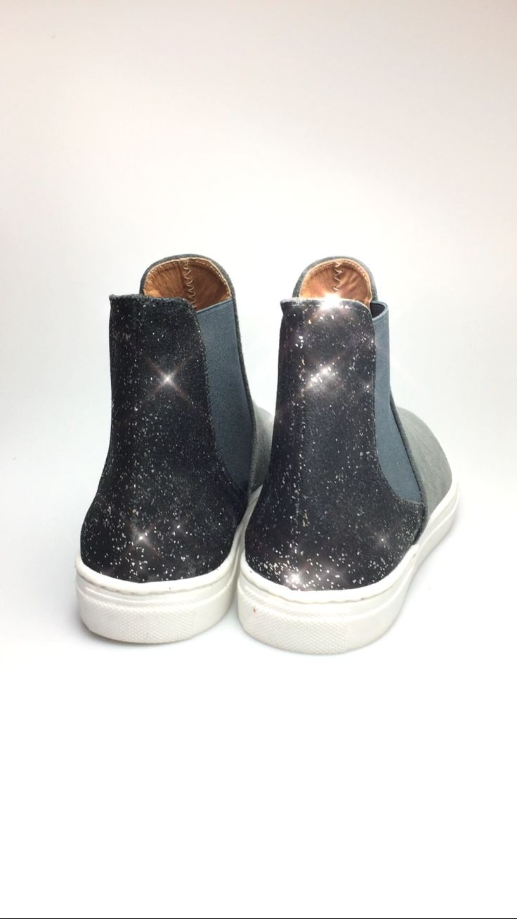 Leather High-Top sneakers  https://m.facebook.com/Feel-the-love-by-Rena-Xenou-271191913004737/
