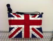 Bandolera con bandera del Reino Unido muy practica y con multiples bolsillos y te la podemo...