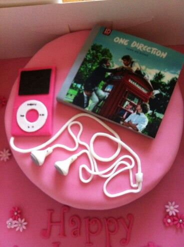 One direction cake!!! Typical One Direction Fan! But One Direction comes 2nd and 5SOS is FIRST!!!