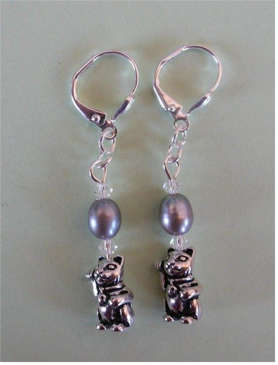 Antique Maneki Neko | Boucles d'oreilles maneki neko chat porte bonheur japonais et perle d ...