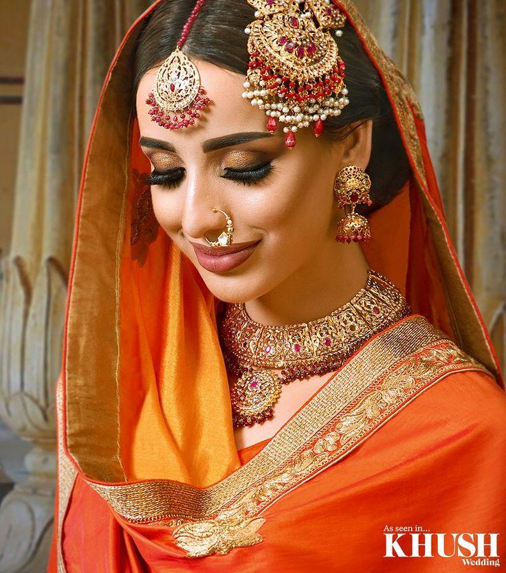 Eternal beauty, @makeupbysoniaaktar recreates this iconic look from #pakeezah • Outfit: @_stylerooms Jewellery: @aneesmalik_jewellery