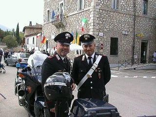 イタリア・活躍する世界の警察官 - 活躍する世界の警察官&警察車両・装備