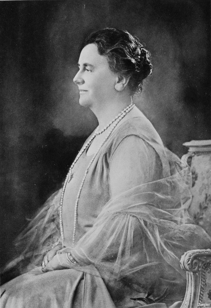 Wilhelmina, Queen of the Netherlands (reigned November 23, 1890 – September 4, 1948) abdicated in favor of her daughter Juliana