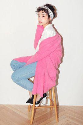 Today's Hot Pick :ネオンカラーロングカーディガン http://fashionstylep.com/SFSELFAA0022156/stylenandajp/out シンプルコーデに羽織っていただきたいおすすめのアイテム!! 可愛いネオンカラーカーディガンをご紹介します。 長めの着丈でワンピースの上から羽織ってガーリーに着てもGOOD! もちろん、カットソーとデニムパンツに合わせて カジュアルにコーデしてもオッケー!! ご購入の前には必ず詳細サイズをご確認の上、お買い求めください。