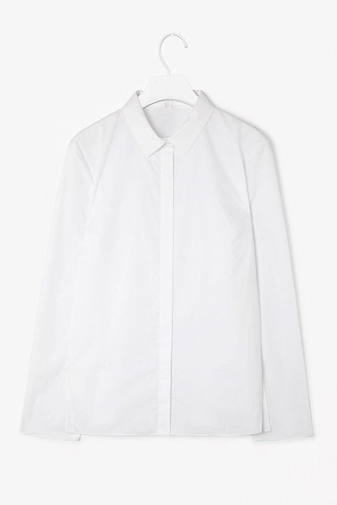 8. Una camisa blanca