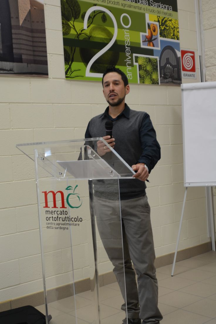Cristian Marras, il Presidente OrtoSestu, ha raccontato ai presenti la strada che OrtoSestu ha dovuto percorrere fino ad arrivare all'ideazione e realizzazione di Casa Ortofrutta, un progetto che intende diffondere la politica di qualità e etica adottata dal 1985, anno di fondazione della cooperativa.