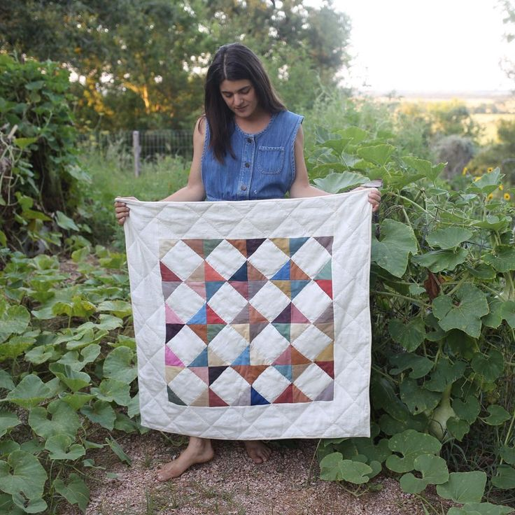 Come join me for a creative weekend where you can make this little quilt to take home! Had a last minute cancellation so there is one spot available. More info at folkfibers.com/workshops