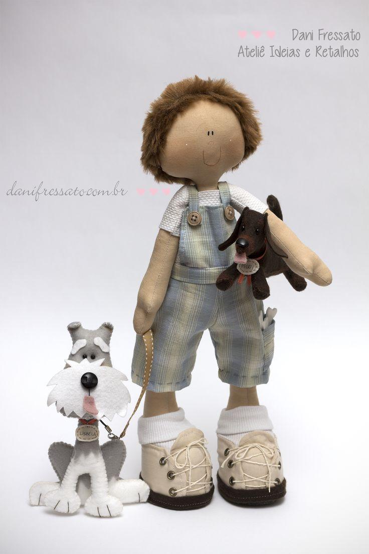 Boneco Artesanal de Tecido com Cachorros (Schnauzer e Dasdachshund) de Feltro