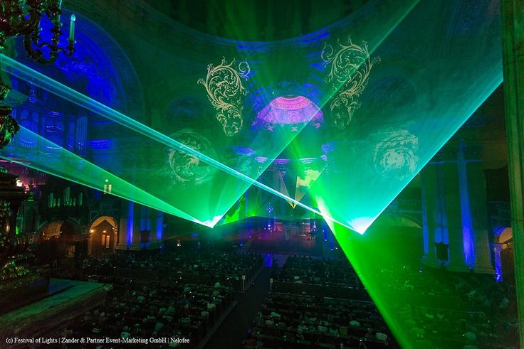 Since 2013, visitors of the opening of the #FestivalOfLights experience a sound and light #show of the special kind in the sold-out #BerlinCathedralChurch: A cross-over #concert combines in an unprecedented way the Sauer organ of the cathedral with a #laserharp and presents the most popular works of classical music in a new edition. Adding a saxophone, laser show and famous singers of soul, pop and gospel creates a concert that touches heart, soul and senses in a breathtaking atmosphere.