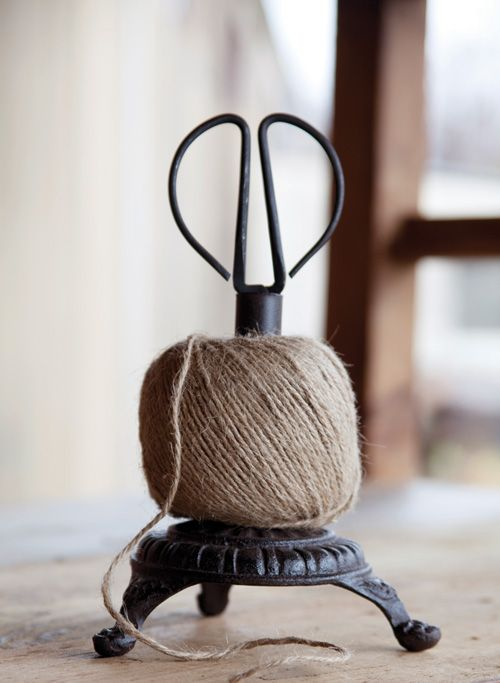 Cast Iron Twine Holder with Scissors//