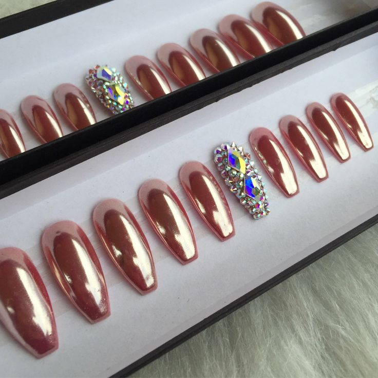 47 best press on nails images on pinterest press on nails nail rose gold chrome press onnails with 2 accent swarovski nails any shape or size prinsesfo Image collections