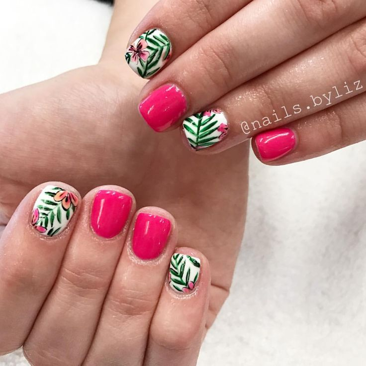 Short Hawaiian Flower Nails