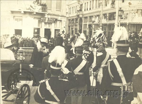 c.1914 Άφιξη του βασιλικού ζεύγους Κωνσταντίνου Α' και Σοφίας στη Μητρόπολη. Φωτογράφος: Rhomaides - Zeitz. ΑΡΧΕΙΟ ΕΛΙΑ