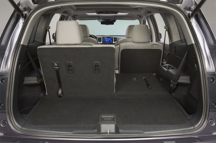 Honda Pilot 2016 With Spacious Car Trunk