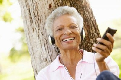 Alzheimer's Disease: How Listening to Music Helps #Alzheimers #tgen #mindcrowd www.mindcrowd.org